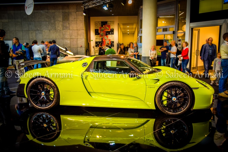 Acid green Porsche 918 Spyder Weissach supercar